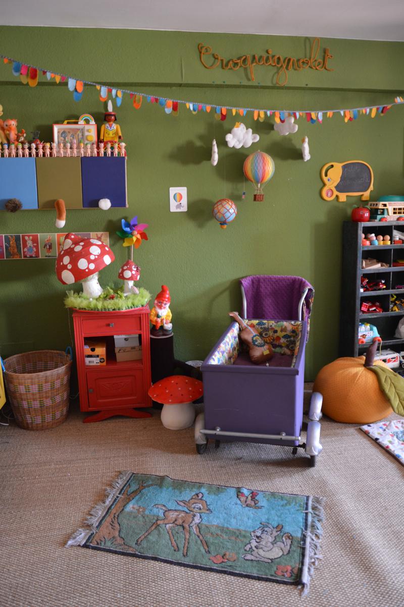 Une chambre de manouche blisscocotte for Caravane chambre 19 meubles