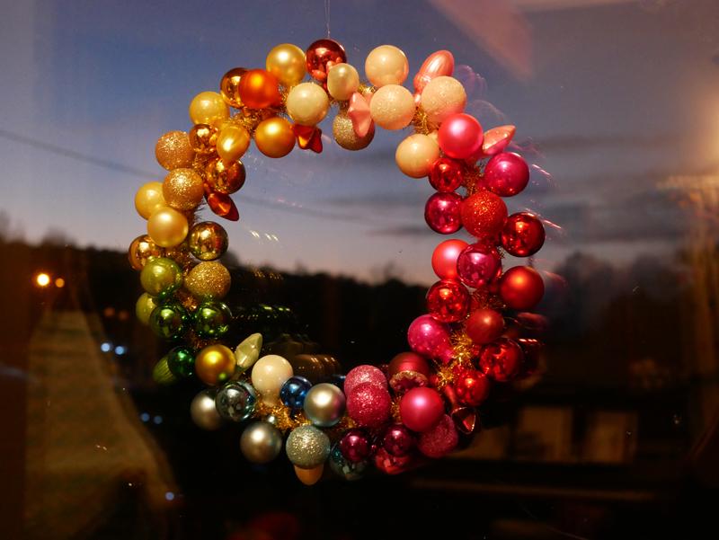 rainbowchristmas12